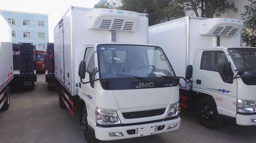 江铃顺达4.2米厢长冷藏车(国五型)